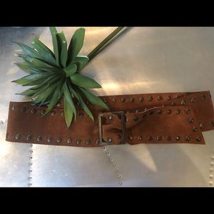 Super soft suede belt with nailhead.